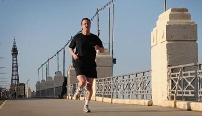 Proč sportovci středního věku stojí pojišťovny miliony za operace kolen?