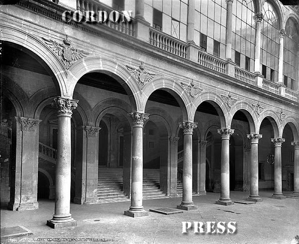 Patio del Alcázar de Toledo hacia 1875-80. © Léon et Lévy / Cordon Press - Roger-Viollet