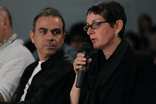 イブラヒーム・ラシード(左)と、パートナーであり本展に《ブラック・ファウンテン》を出品しているマハ・ムスタファ