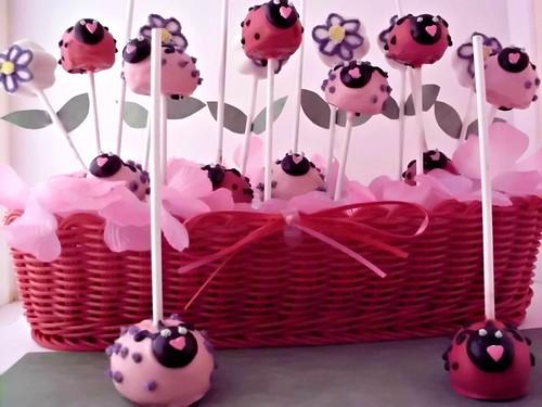 Ladybug Cake Pops (8)