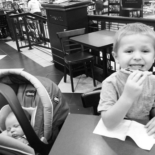 To celebrate William being 3 weeks old, I took him & Zachary out to Barnes & Noble by myself for the first time! :)
