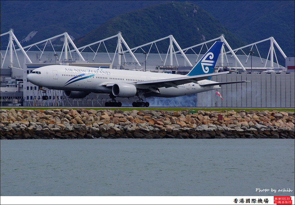 Air New Zealand / ZK-OKA / Hong Kong International Airport