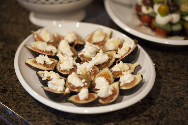 Figs with goat cheese & honey