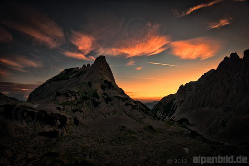 morning summer cloud mountain mountains alps nature berg rock clouds landscape austria tirol österreich twilight nikon rocks sommer natur rocky wolke wolken berge bluehour dämmerung fels alpen landschaft morgen tyrol goldenhour alpenglow topaz morgens d800 felsen gebirge blauestunde wilderkaiser alpenglühen felsig daemmerung alpengluehen kaisergebirge griesenau d800e nikond800e alpenbildde