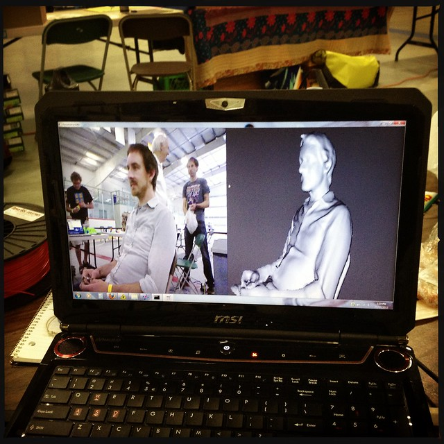 3d scanning people at @vimakerfaire