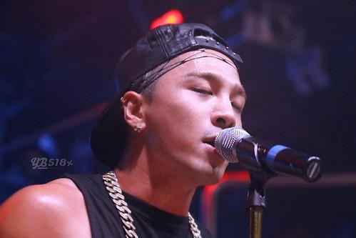 Taeyang-GangnamNBClub-Seoul-20140906-HQ(8)