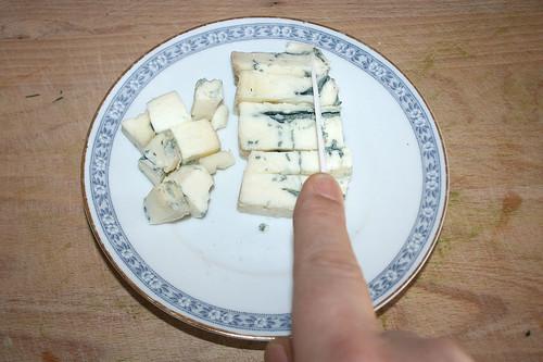 34 - Gorgonzola würfeln / Dice gorgonzola