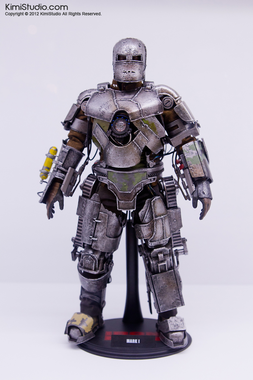 2011.11.12 HOT TOYS-046