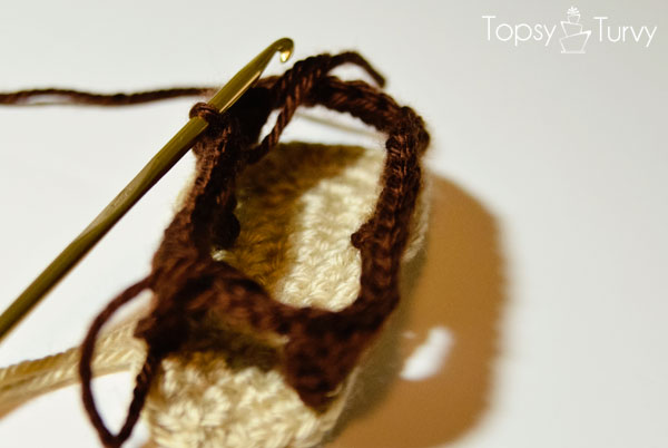 crochet-baby-sandals-right-slip-stitch