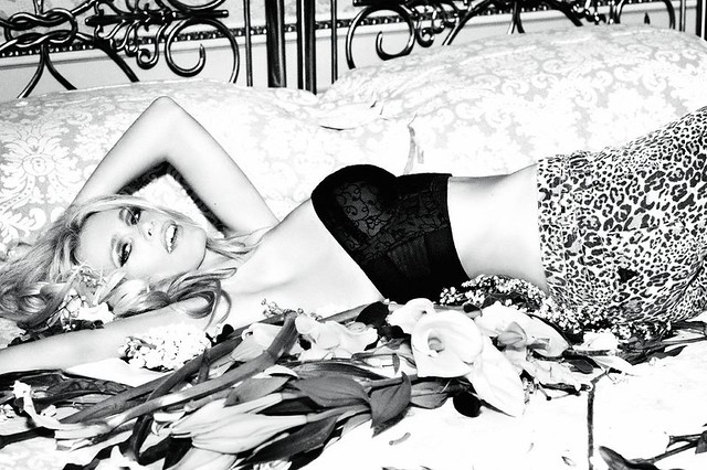 * Claudia Schiffer Fronts Guess' 30th Anniversary Campaign by Ellen von Unwerth deitar flowers544555_10150767326342682_44409632681_9399822_568535182_n