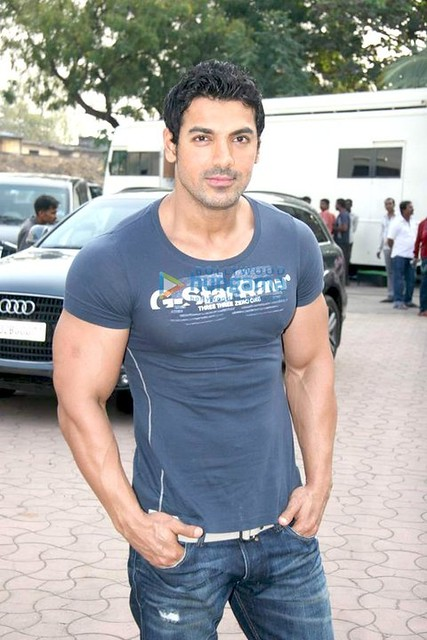 john-abraham-body-building-workout-i15 | Flickr - Photo ...