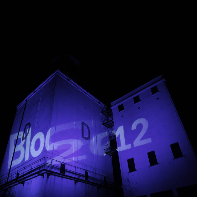 Bloc purple