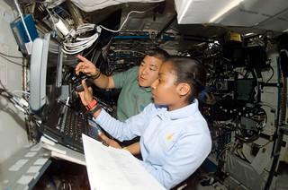 NASA astronaut Stephanie Wilson's talk at the Auckland War Memorial Museum - July, 7, 2012
