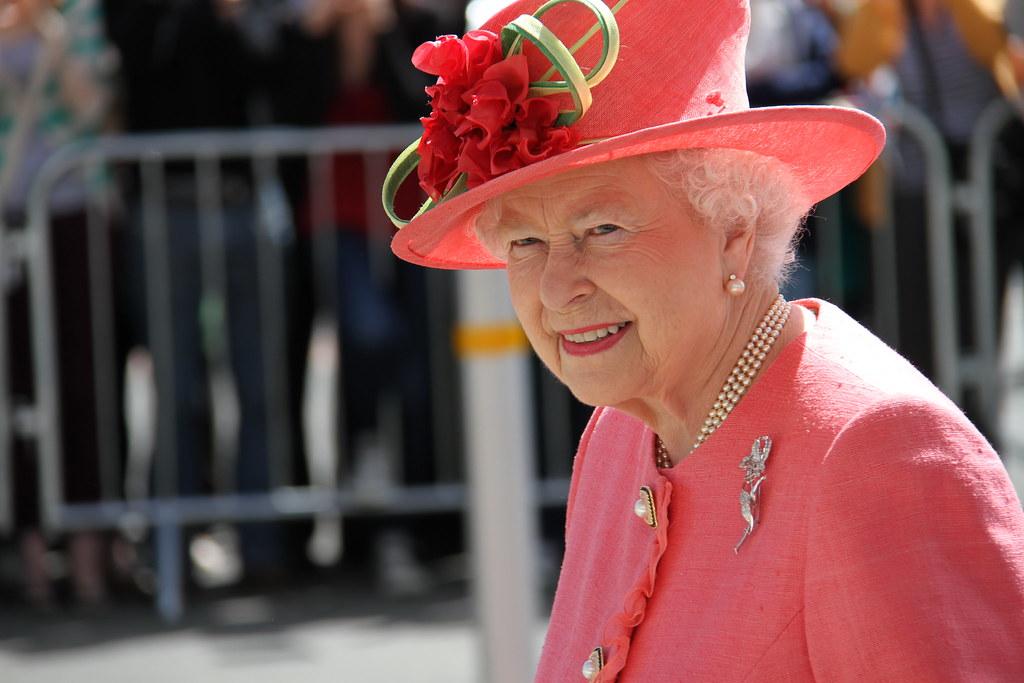 Федеральной английская королева елизавета 2 видео которых