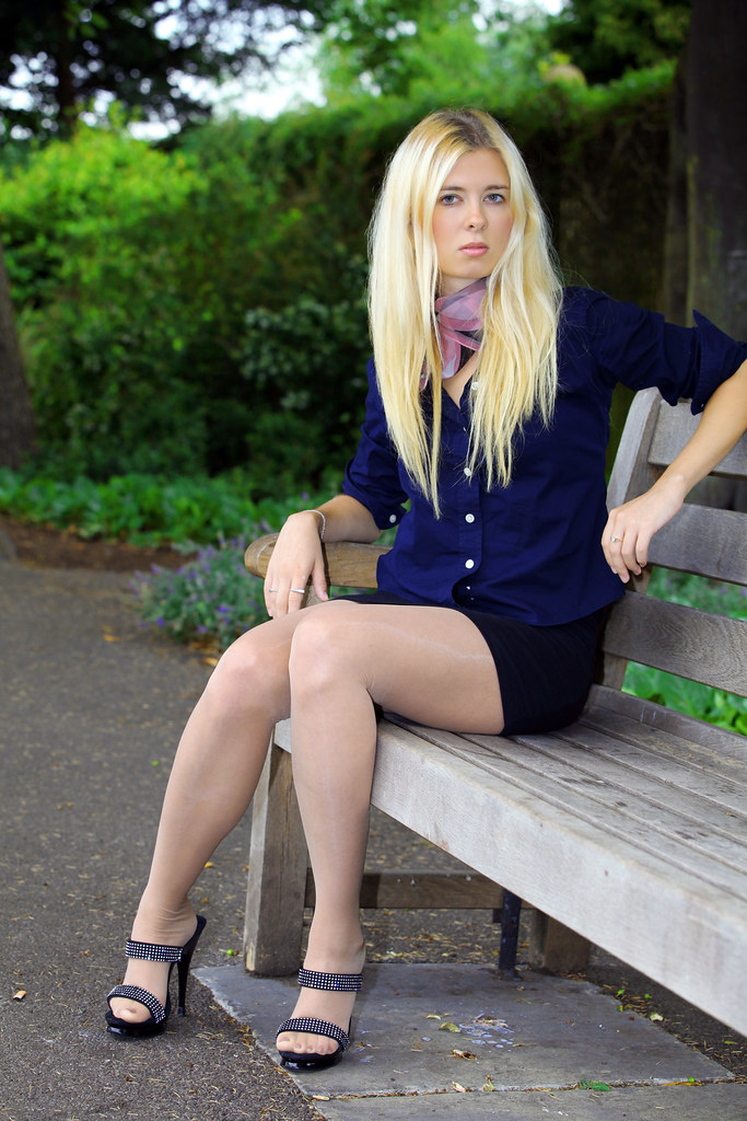 Park Life  Nude Pantyhose  Mules  Heel Town  Flickr-5428