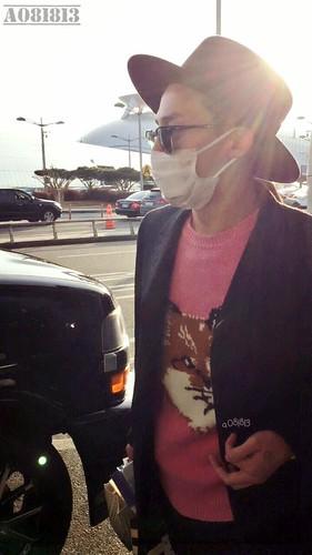 G-Dragon - Incheon Airport - 28jan2015 - a081813 - 02