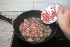 18 - Speckwürfel hinzufügen / Add diced bacon