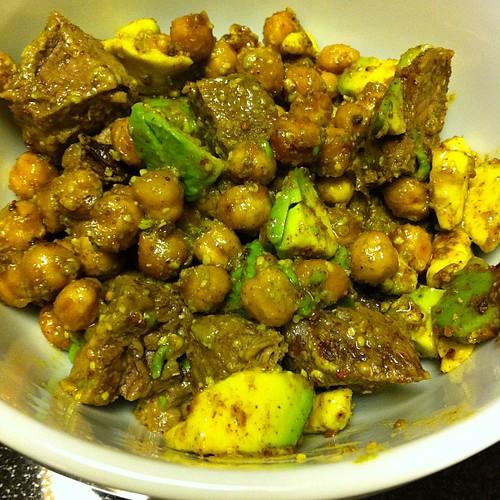 Roasted Chickpea, Steak & Avocado Salad #wfd