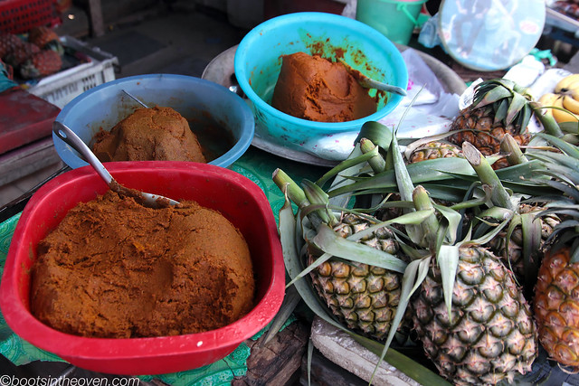 Curry pastes and pineapple