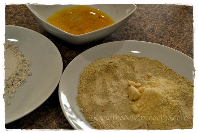 Los 3 platos: harina, huevo, pan+quso