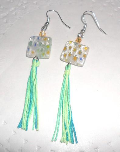 Bricos Cntas vidro amarelo verde e azul by Fuxiquices-da-isa