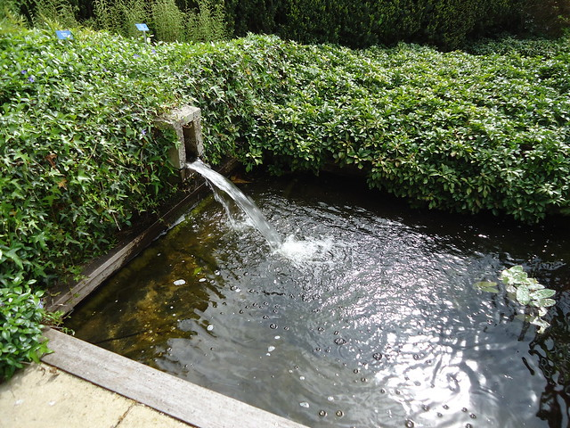strakke vijver met fontein flickr photo sharing On vijver fontein