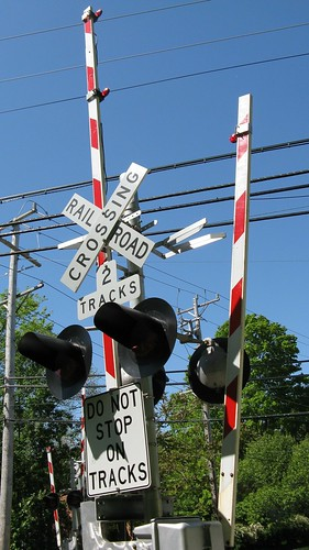 The Isabella Street CTA purple line railroad crossing.  Wilmette Illinois.  May 2012. by Eddie from Chicago