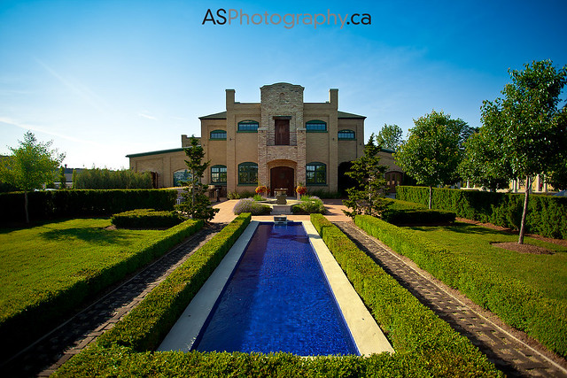 The Hacienda Sarria in Waterloo. A great place to shoot a wedding.
