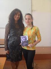 regalando a Dima mi poemario Esperanza traducido al bulgaro.
