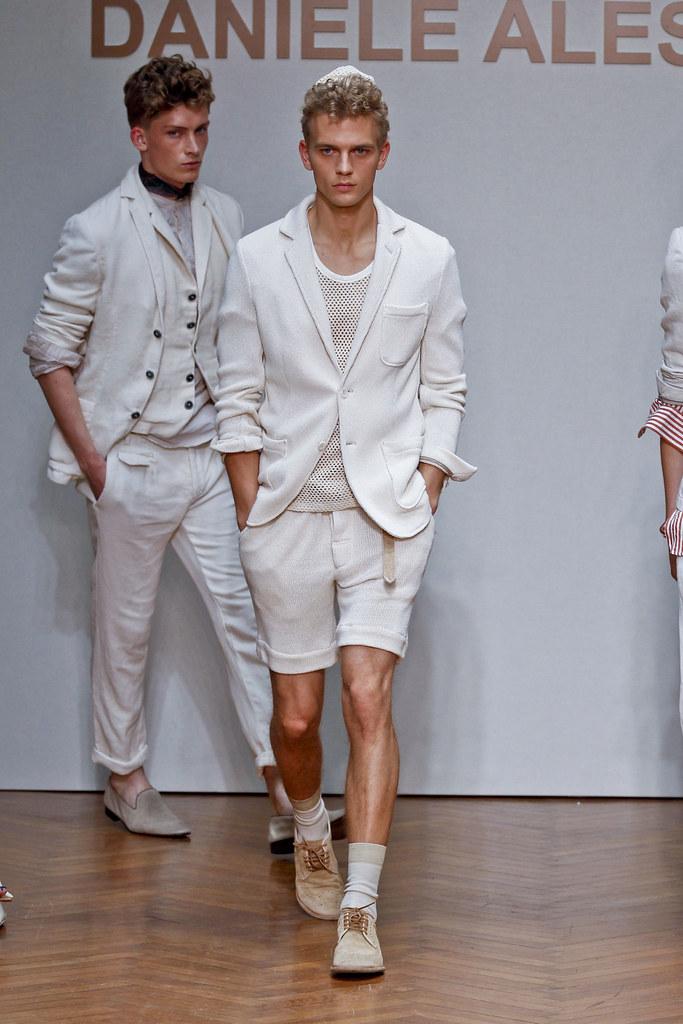SS13 Milan Daniele Alessandrini035_Benjamin Eidem(fashionising.com)