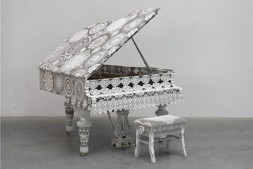 Joana Vasconcelos, Piano Dentelle, 2008