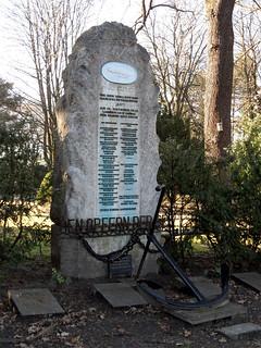 Grab für die Besatzung des 1913 verunglückten Marineluftschiffs L2