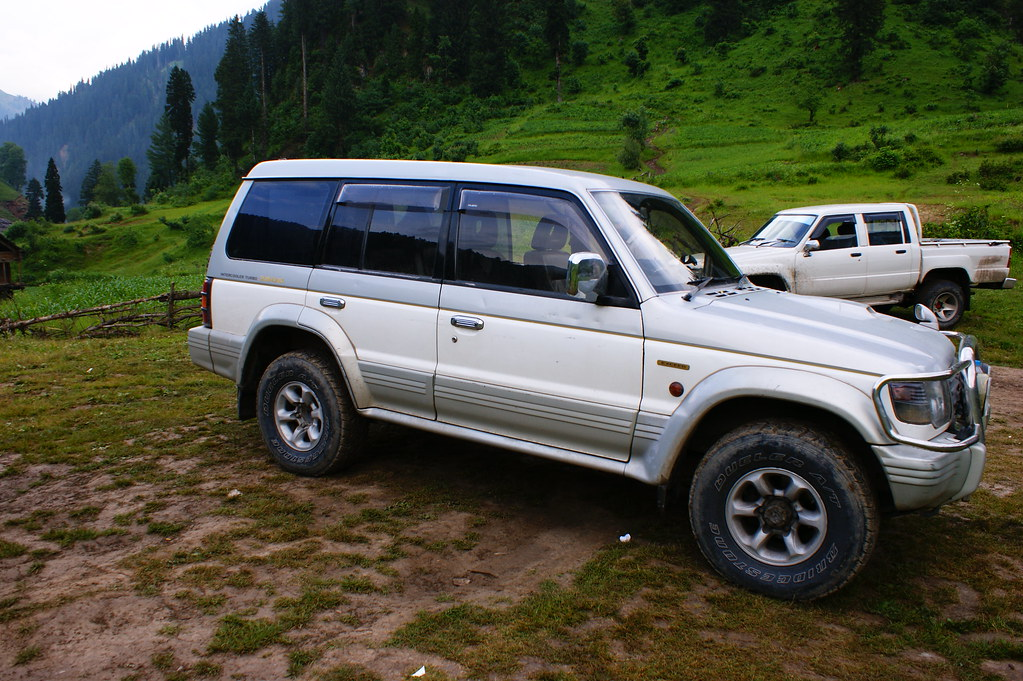 """MJC Summer 2012 Excursion to Neelum Valley with the great """"LIBRA"""" and Co - 7595650836 df6e4f552f b"""