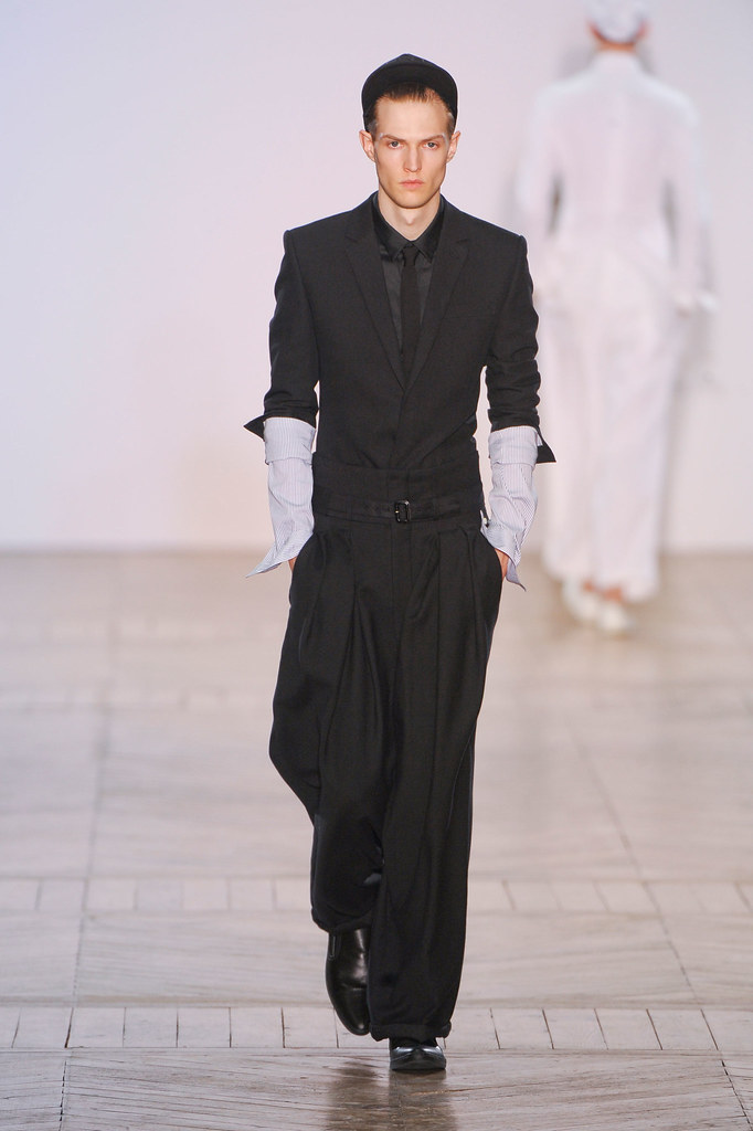 Adrian Bosch3282_SS13 Paris Juun J.(fashionising.com)