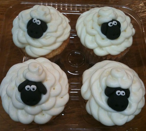 Shaun the sheep cupcakes