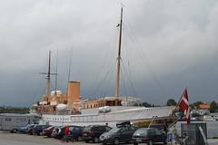 2012-07 Sønderborg Kongeskibet Dannebrog ved Sønderborg slot