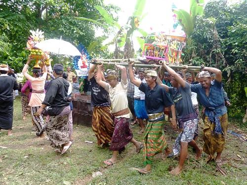 Bali-Funéraille hindoues-Procession (43)