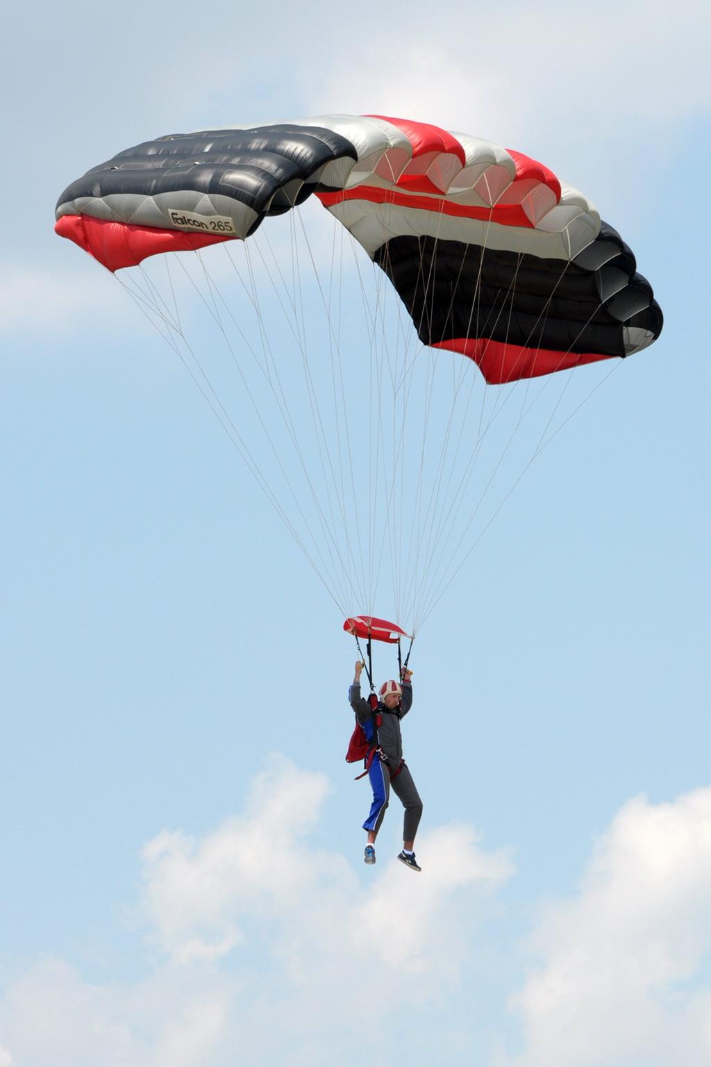 Fly-in @ Floreni - Mitingul cailor putere - Poze 7677961432_4c3f2541e1_o