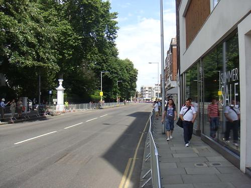 Fulham Road desierta de coches pre y durante la carrera