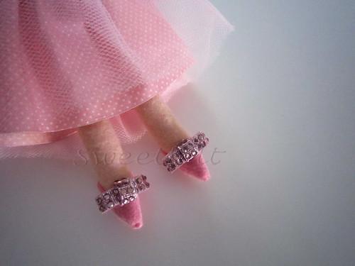 ♥♥♥ Sapatos? Só se forem cor de rosa e com brilhantes! by sweetfelt \ ideias em feltro