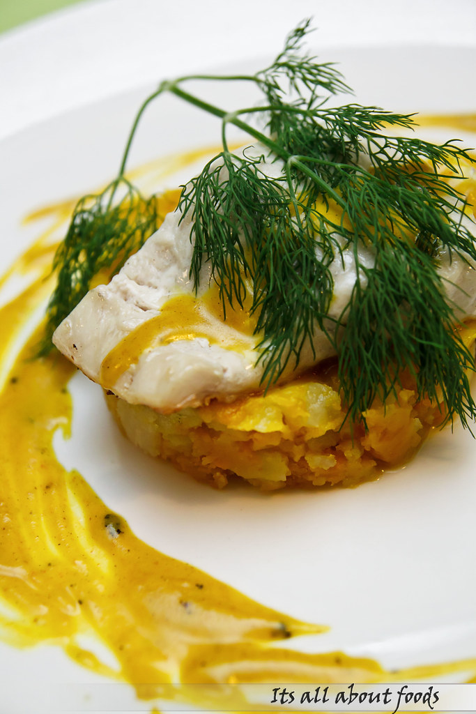 fillet-seabass-with-spicy-pumpkin-croisette-cafe
