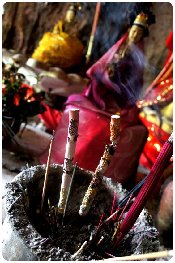 Nusa Penida - Goa Giri Putri Incense