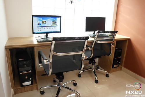 D' Hotel Computer