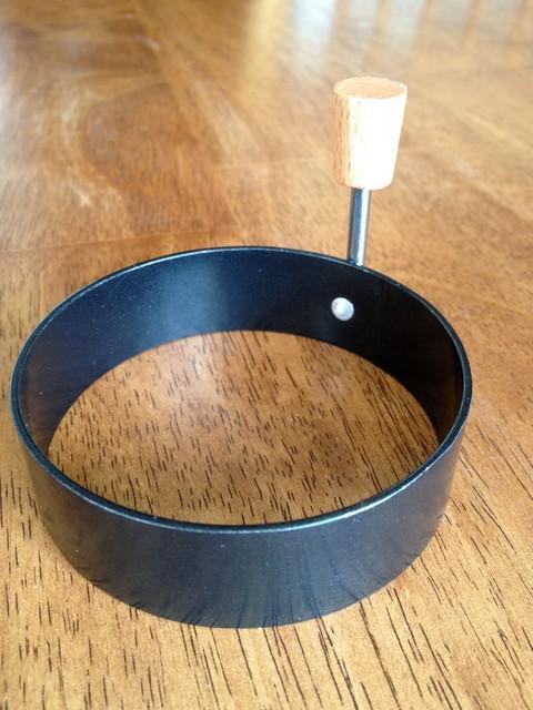 Egg ring 003