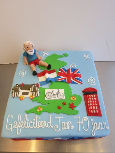 Bike Holiday Birthday Cake by CAKE Amsterdam - Cakes by ZOBOT