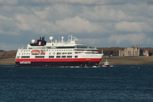 Last Cruise Ship of the 2012 Season by Magnus Budge