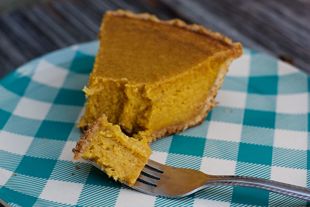 sweet potato pie, recipes, sweet potato pie recipe, sweet potato recipe, recipe, baking, baking a sweet potato pie, Thanksgiving recipes, Thanksgiving pie recipe