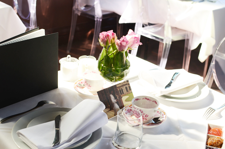 societea table setting a