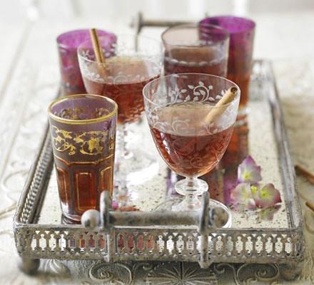 Hot spiced cider drinks recipe