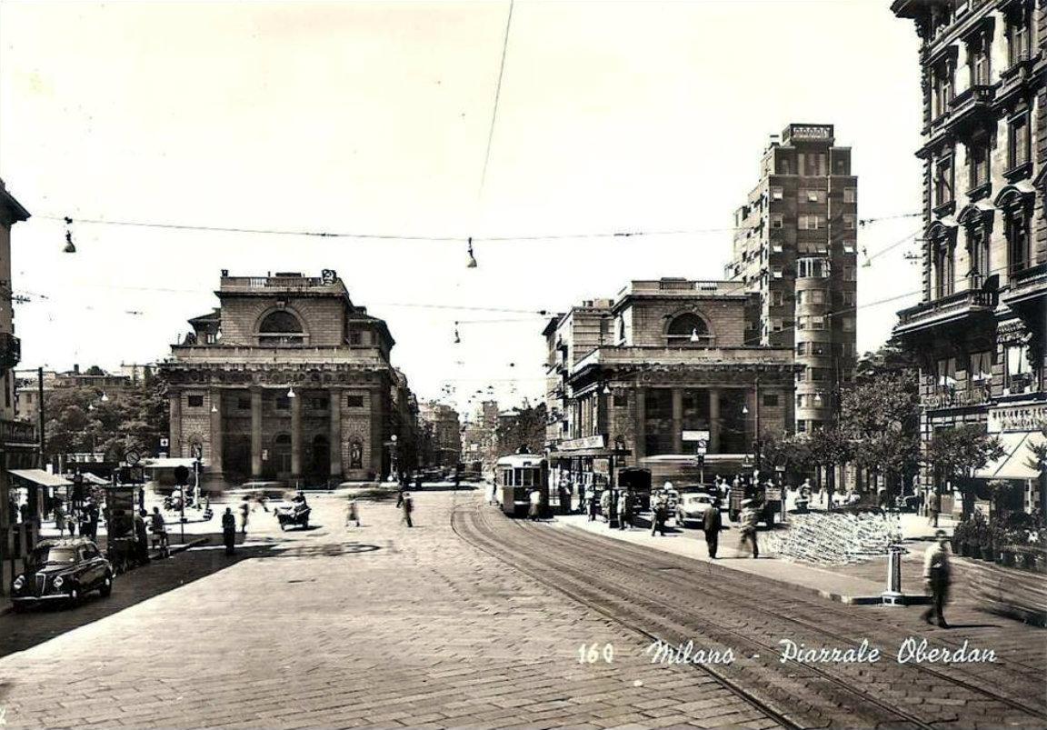 L 39 antico cordolo in piazzale baracca for Viale serra milano